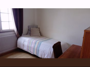 Appartager FR - Chambre à louer, La Rochelle - 350 € /Mois