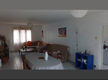 Appartager FR - Colocation dans maison de 130 m² PROCHE CHARTRES, Lucé - 337 € /Mois