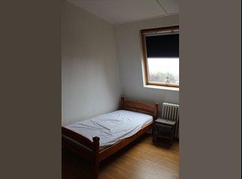Appartager FR - Chambre meublée idéale personne seule proche centre Tourcoing, Mouvaux - 250 € /Mois