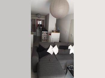 Appartager FR - Loue chambre dans T3, Cenon - 300 € /Mois