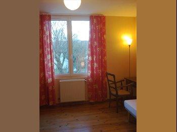 Appartager FR - chambre meublée dans grande villa, Ramonville-Saint-Agne - 350 € /Mois