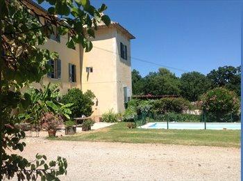 Appartager FR - Une vie de château , Roquefort-les-Pins - 550 € /Mois