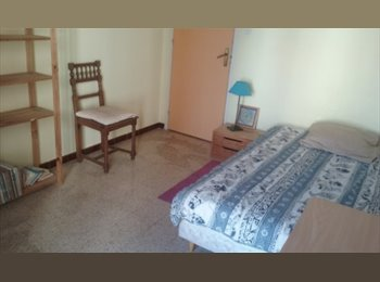 Appartager FR - CHAMBRE A LOUER AVEC BALCON, Avignon - 700 € /Mois