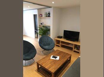 Appartager FR - Superbe chambre dans colocation aux Chartrons, Le Bouscat - 510 € /Mois