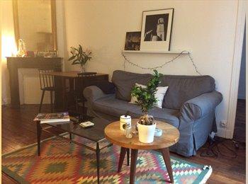Appartager FR - Double Bedroom Montmartre ( location temporaire), 18ème Arrondissement - 750 € /Mois
