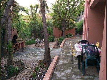 Appartager FR - colocation en bas de villa , Ollioules - 425 € /Mois