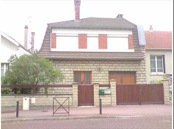 Appartager FR - Studios et chambres dans une maison meublée  à  CACHAN(94230), Cachan - 620 € /Mois
