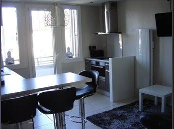 Appartager FR - T3 Annecy secteur Galeries Lafayette et proche du lycée Berthollet- Loue T3 Annecy centre- Colocatio, Annecy - 399 € /Mois