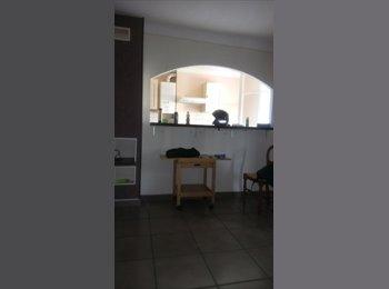 Appartager FR - Cherche colocatrice, Marseille - 200 € /Mois