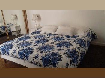 Appartager FR - Jolie chambre à louer dans un duplex à Courbevoie-La Défense, Courbevoie - 700 € /Mois