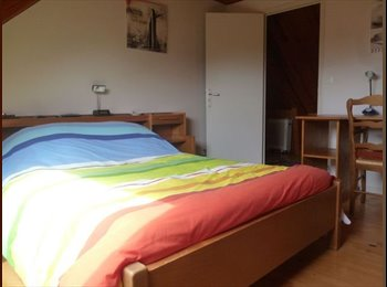 Appartager FR - Appartement 2 chambres en colloc dans notre maison, Lorient - 320 € /Mois