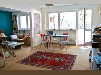 Appartager FR - Grande chambre dans un magnifique appartement dans le 19e, 19ème Arrondissement - 850 € /Mois