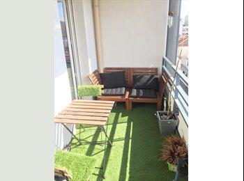 Appartager FR - Chambre chez l'habitant:  petite chambre meublée dans un super grand appartement -chez Propriétaire-, Aubervilliers - 599 € /Mois