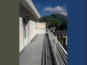 Appartager FR - Chambre ds coloc de Juin à août Hyper centre de Grenoble, Grenoble - 340 € /Mois