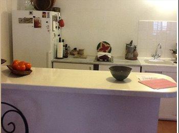 Appartager FR - Plein centre , Marseille - 500 € /Mois