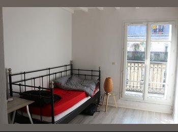 Appartager FR - Montmartre, rue des Martyrs: Appartement d'une pièce avec balcon, 9ème Arrondissement - 670 € /Mois