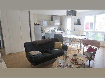 Appartager FR - Sous-location chambre dans bel et vaste appartement / Docks de Saint-Ouen, Saint-Ouen - 600 € /Mois