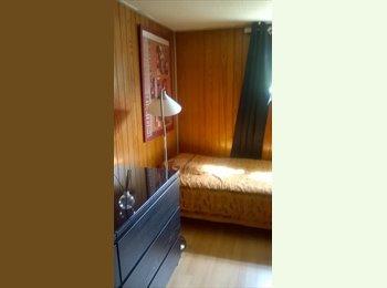 Appartager FR - grande chambre dans pavillon, Maisons-Alfort - 400 € /Mois