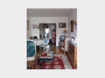 Appartager FR - Chambre meublée charmante et ensoleillée 600€, 19ème Arrondissement - 600 € /Mois