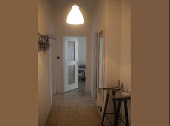 EasyStanza IT - Offro 1 stanza singola arredata, Stupinigi - € 300 al mese
