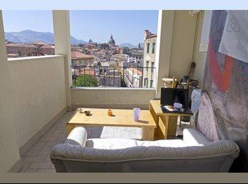 EasyStanza IT - great apartment, wonderful landscape, Palermo - € 200 al mese