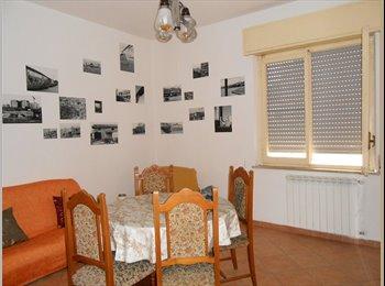 EasyStanza IT - Affitto camere studentesse o lavoratrici, Reggio Calabria - € 160 al mese