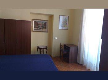 EasyStanza IT - affittasi stanza singola  arredata centro storico , Roma Centro - € 600 al mese