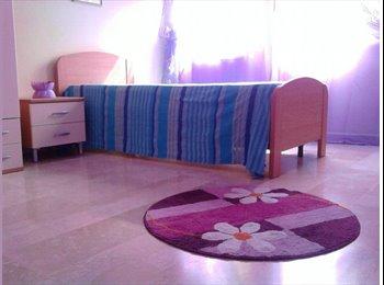 EasyStanza IT - Appartamento panoramico pentimele, Reggio Calabria - € 180 al mese