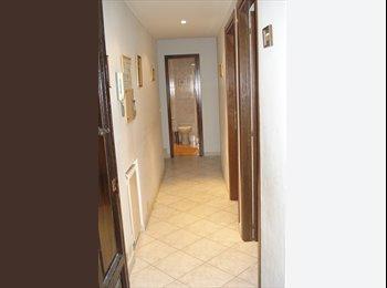EasyStanza IT - Appartamento 3 camere, 2 bagni, cucina, in centro, Roma - € 1.700 al mese