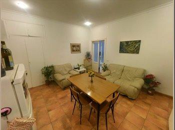 EasyStanza IT - Trastevere - Storic centre rent a room, Trastevere-Borgo - € 550 al mese