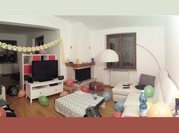 EasyStanza IT - Appartamento in splendida villa indipendente, Trezzano sul Naviglio - € 450 al mese