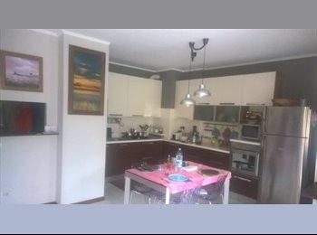EasyStanza IT - appartamento spazioso appena dipinto a 600 mt dalla staxzione nord per milano, Cusano Milanino - € 400 al mese