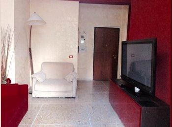 EasyStanza IT - Metro A CINECITTA' mobili nuovi , Don Bosco-Cinecitta' - € 200 al mese