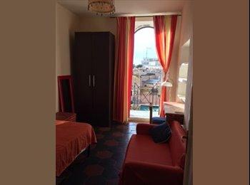 EasyStanza IT - Stanza Via Cavour, Roma Centro - € 580 al mese