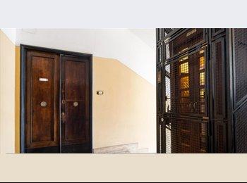 EasyStanza IT - stanza singola con letto matrimoniale e affaccio panoramico su basilica S. Giovanni-Roma, S.Giovanni - Appia Nuova - € 530 al mese
