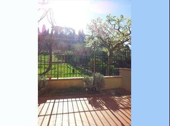 EasyStanza IT - Room with bella vista, Maiano - € 380 al mese