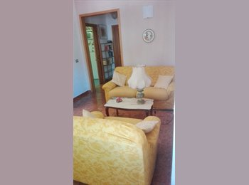 EasyStanza IT - Grande singola superarredata in villa , Maiano - € 480 al mese