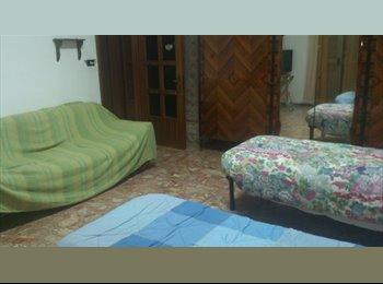 EasyStanza IT - Tre camere per studenti, Reggio Calabria - € 150 al mese