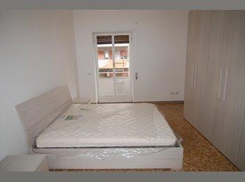EasyStanza IT - Appartamento di due stanze appena ristrutturato a due passi da Roma Tre e Metro B (Basilica San Paol, Marconi-Ostiense - € 1.140 al mese