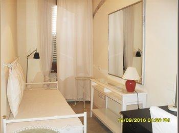 EasyStanza IT - offresi deliziosa camera singola, Parma - € 266 al mese