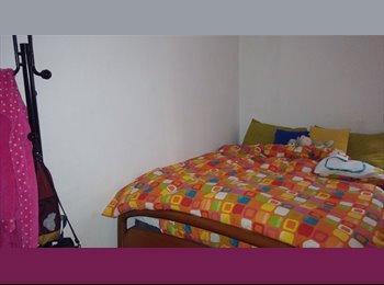 EasyStanza IT - camera matrimoniale , Modena - € 190 al mese