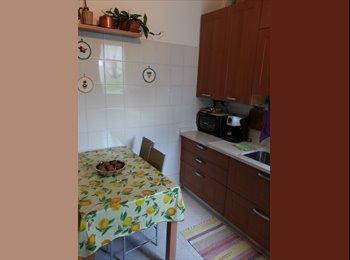 EasyStanza IT - 2 stanze in appartamento luminoso ed affacciato su area  verde, Cesano Boscone - € 480 al mese