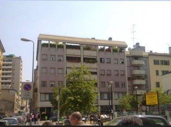 EasyStanza IT - Centralissima Singola in appartamento TUTTO NUOVO - Aria condizionata, Centrale - Loreto - € 570 al mese