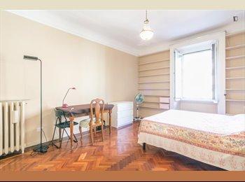 EasyStanza IT - grande stanza singola, Centrale - Loreto - € 650 al mese