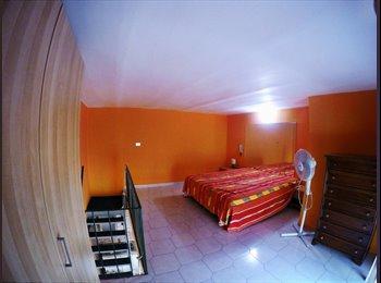 EasyStanza IT - Appartamento Napoli zona centralissima, Napoli - € 450 al mese
