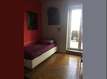 EasyStanza IT - Ampia stanza con affaccio su magnifico terrazzo al piano, Pta Romana - Forlanini - Lodi - € 600 al mese