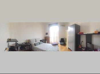 EasyStanza IT - Affittasi stanza singola in corso magenta 32 dal 10 settembre, Milano - € 640 al mese