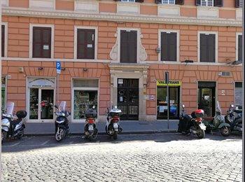 EasyStanza IT - Stanze in appartamento Esquilino, Esquilino S.Lorenzo - € 470 al mese