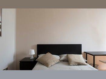 EasyStanza IT - Nuove Stanze Singole disponibili in Via Valsesia 50 - Zona Baggio, Cesano Boscone - € 400 al mese