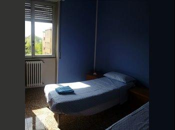 EasyStanza IT - stanza doppia vicino metro linea 1 Bisceglie, Navigli - Ticinese - Pta Genova - Lorenteggio - € 500 al mese
